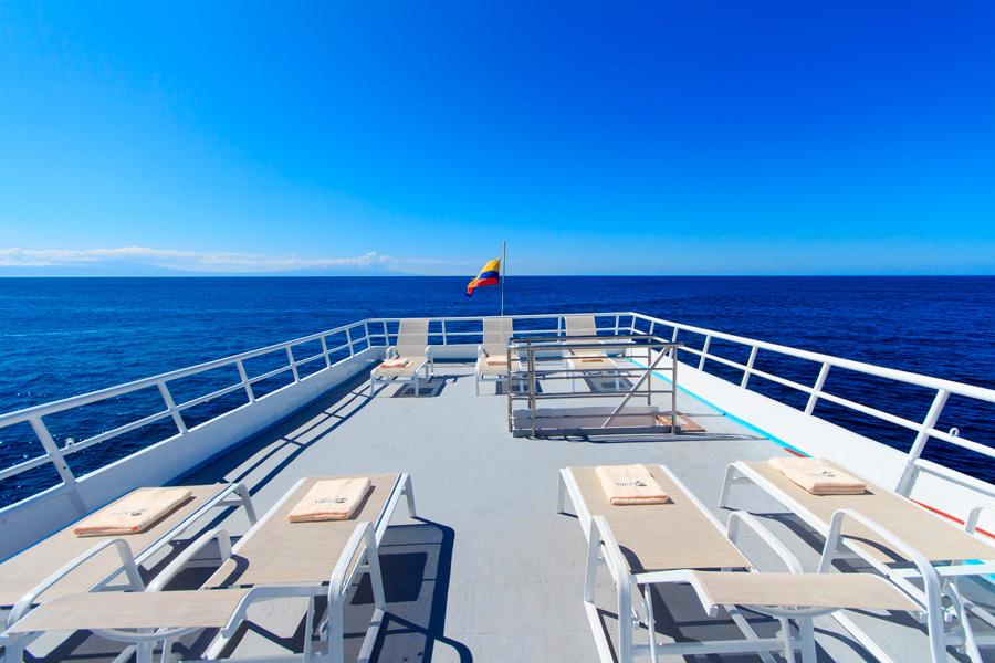 Aqua yacht sundeck galapagos