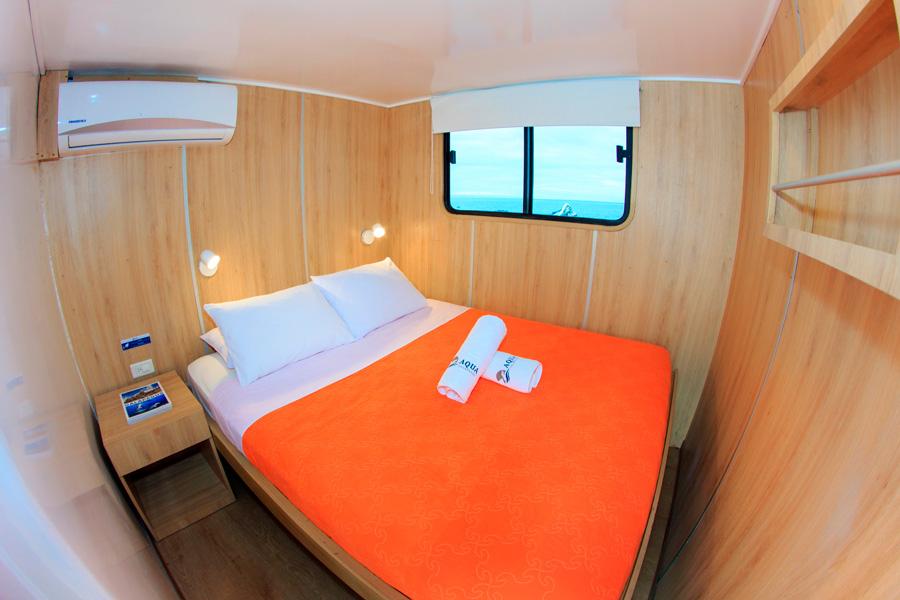 aqua yacht main deck