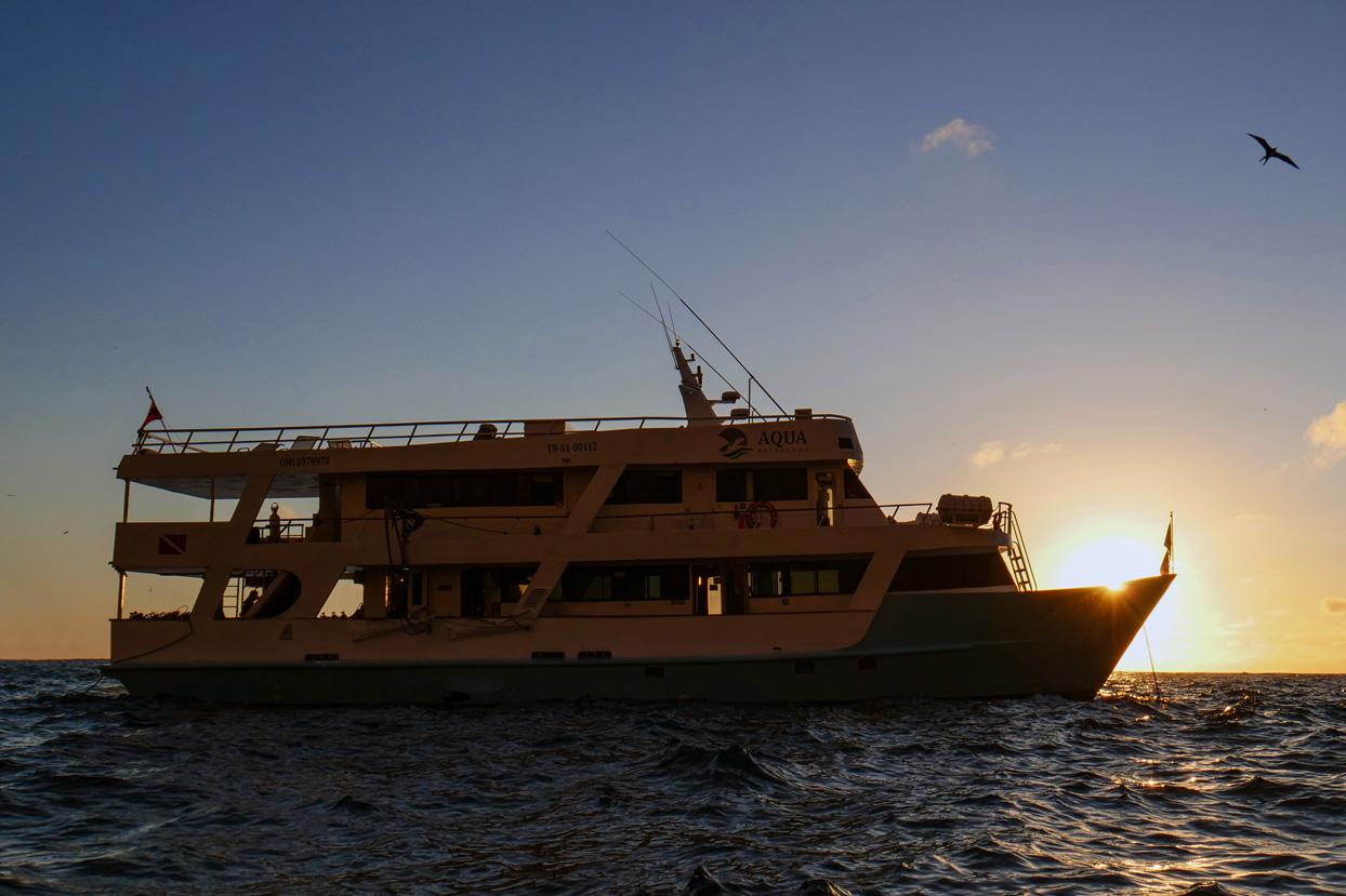 Yacht Aqua safely galapagos liveaboard