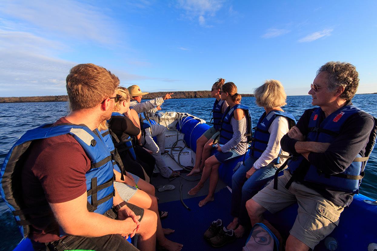 aqua yacht enjoy galapagos